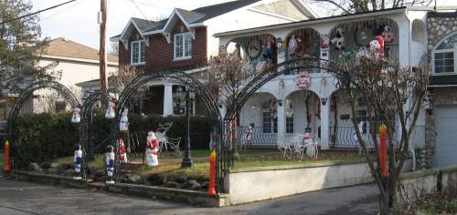 20091121_123155_AS_9146 Santa house.jpeg