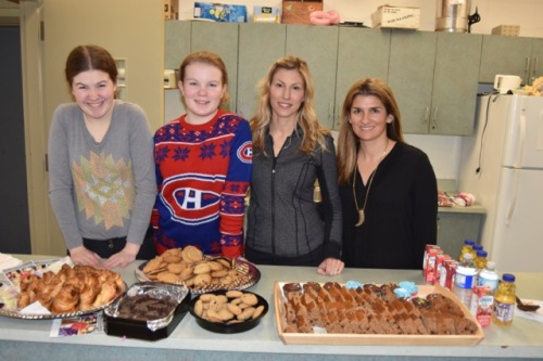 [AWESOME ORGANIZERS SARAH KOTYCK AND NATALIE RAFFOUL WITH VOLUNTEERS OLIVIA AND KATIE BOLGER]