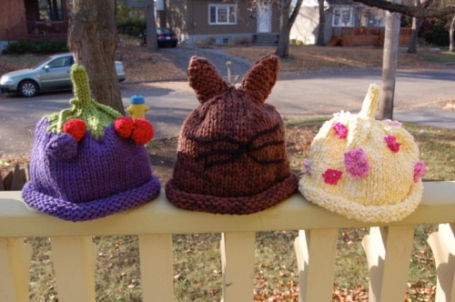 [Kitted Decorated Hats]