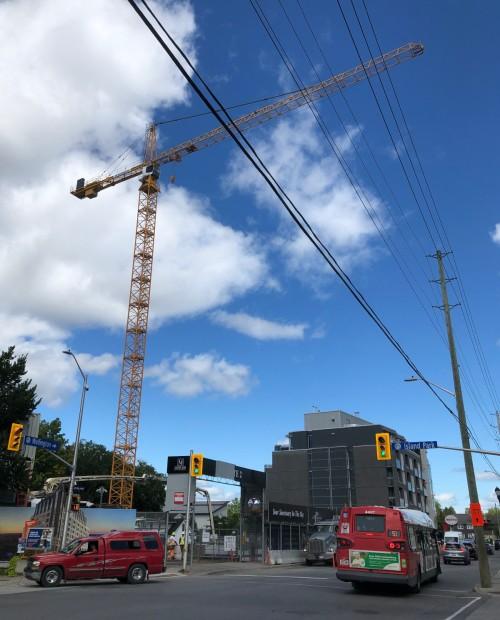[20200819 Mizrahi Construction Crane at IPD and Wellington]